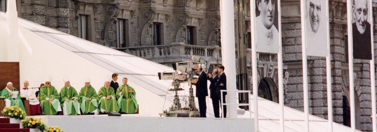 Papstaltar der Seligsprechungsmesse am 21.06.1998