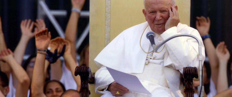 Papst Johannes Paul II.. bei einer Ansprache