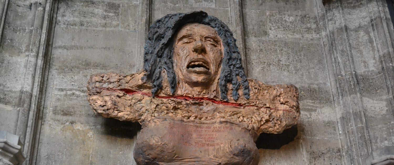 Bronzeplastik: Restituta-Büste, auf der Gesicht und Brust zu sehen sind